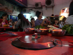 fondue table jalang sultan kuala lumpur @ journeylism.nl
