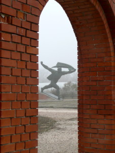 memento park budapest hungary see through statue @ journeylism.nl