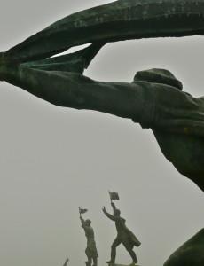 memento park budapest hungary three statues @ journeylism.nl