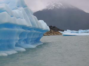 tolkien shaped icebergs parque los glaciares argentina @ journeylism.nl