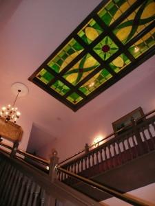 palace hotel port townsend usa stairway @ journeylism.nl