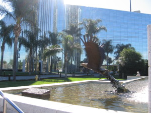 crystal cathedral eagle statue @ journeylism.nl