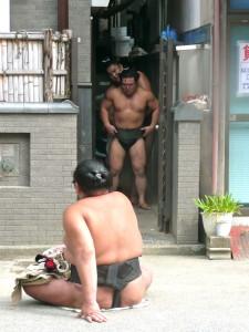 ryogoku sumo stables tokyo outside @ journeylism.nl