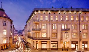 tulip house hotel bratislava exterior @ journeylism.nl