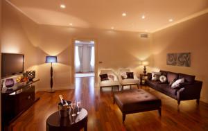 tulip house hotel bratislava luxury suite 1 @ journeylism.nl