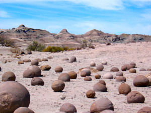 on the ruta chile argentina parque nacional ischigualasto bowling balls valle de la luna @ journeylism.n